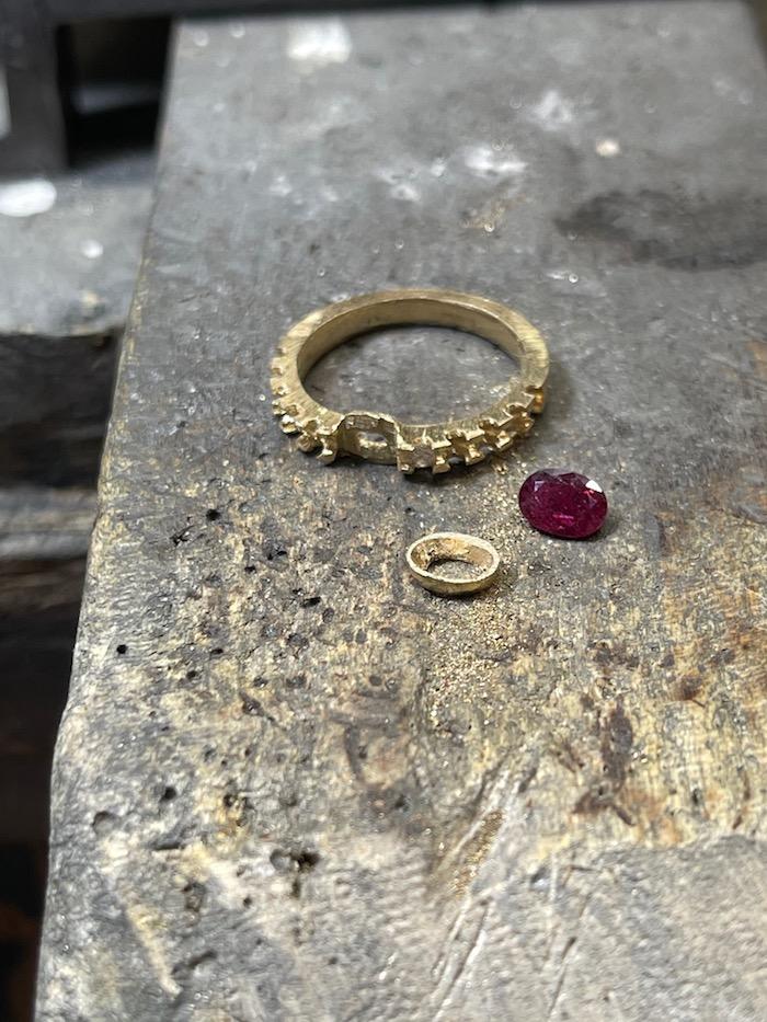 ルビーの指輪を使って指輪のリメイク致しました