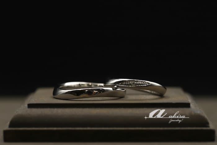 手仕事の鍛造結婚指輪のオーダーメイドのご納品を致しました