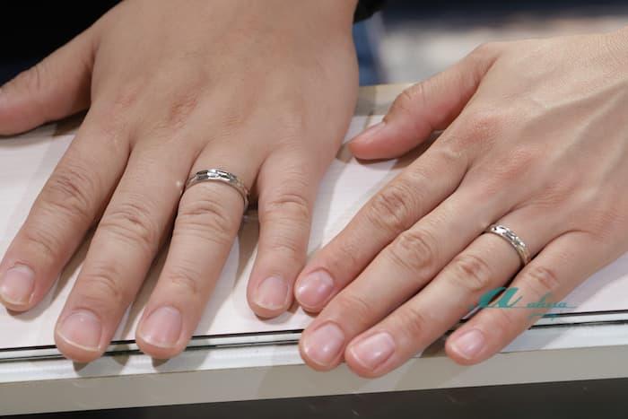 結婚記念日の結婚指輪オーダーのお客様写真です
