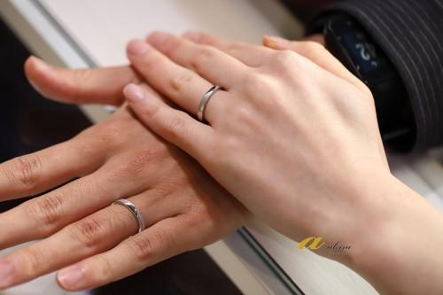 結婚指輪御納品のお客様記念撮影
